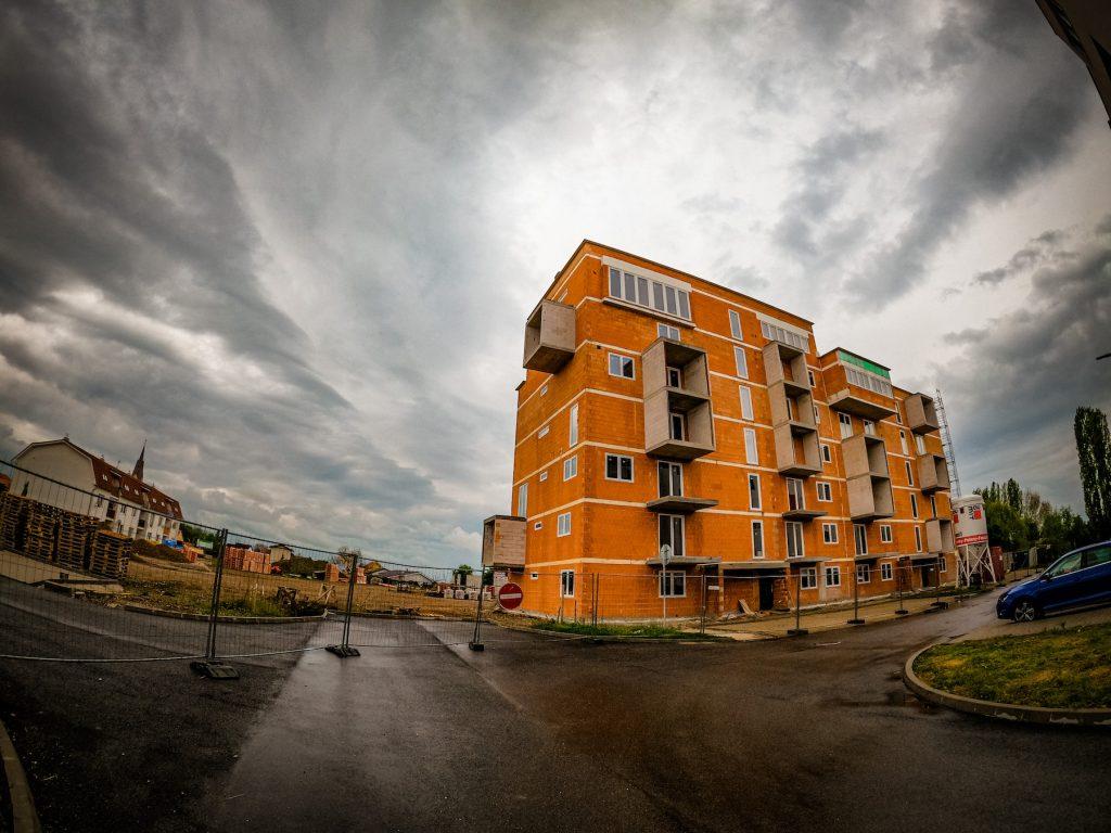 Vráble Žitava výstavba bytového domu
